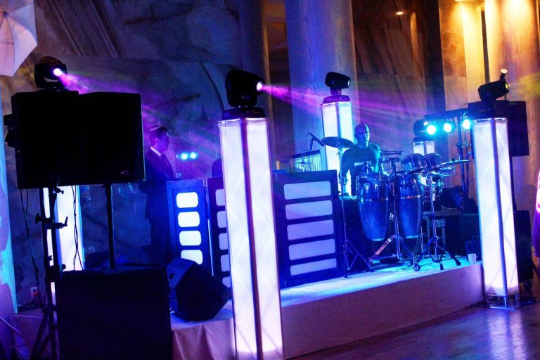 DJ + Percussionist + Full Sound + Double High End Lighting + Stage Lighting + Facade