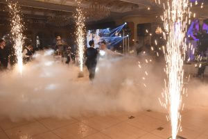 Sparklers Smoke Machine for the bride and groom first dance