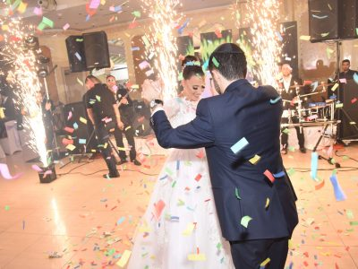 Confetti blaster and sparklers rental for a wedding